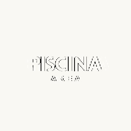Piscina Area